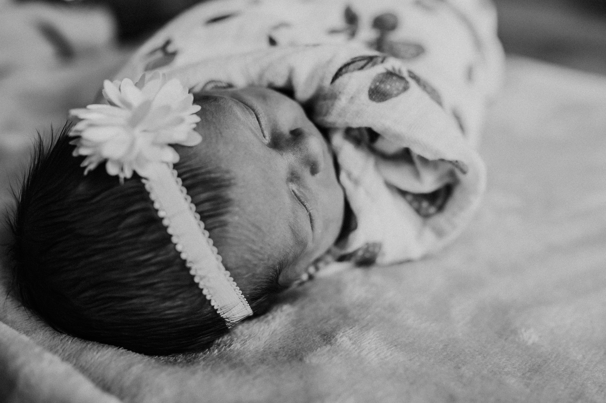 portland newborn lifestyle photography