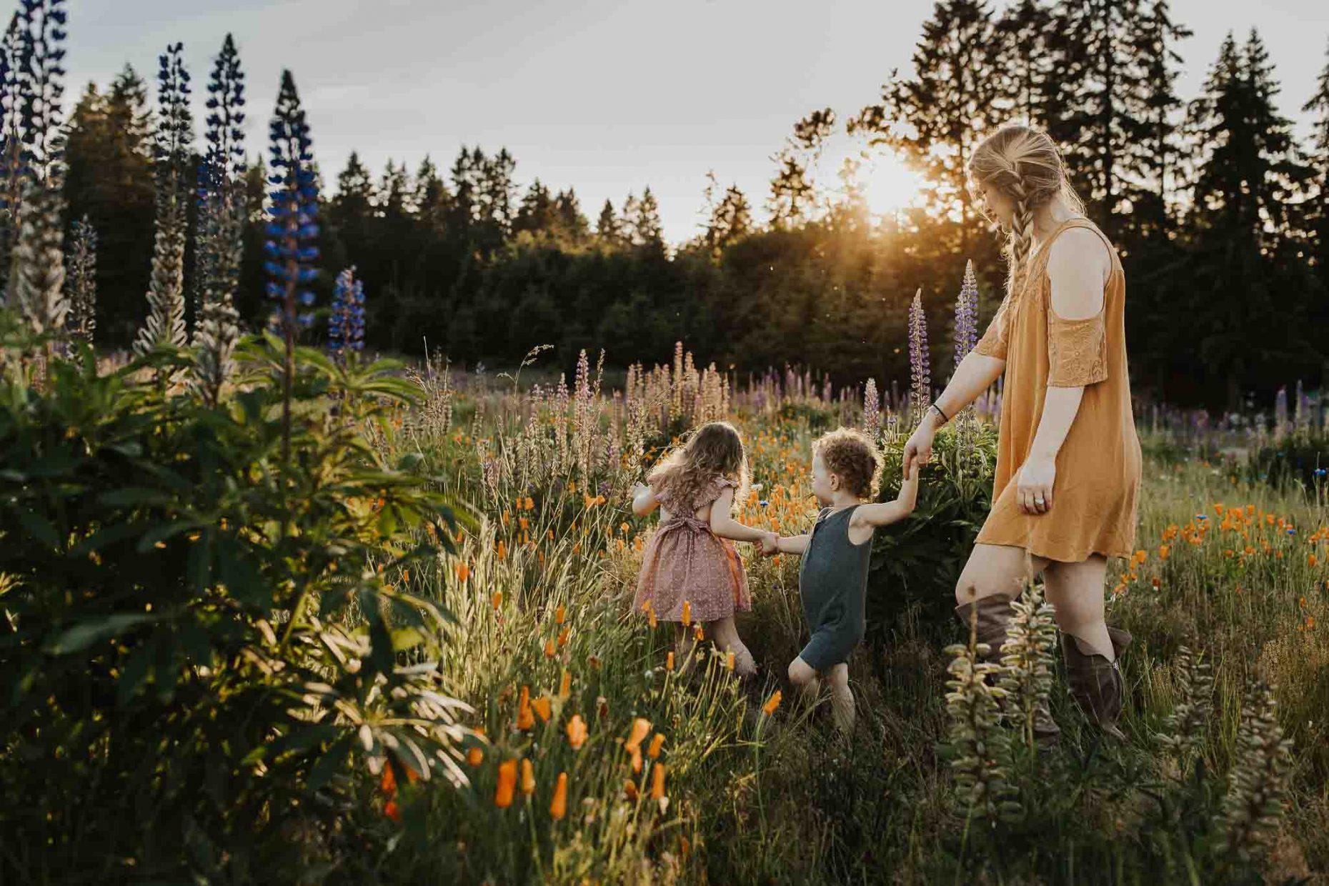outdoor family photos in portland