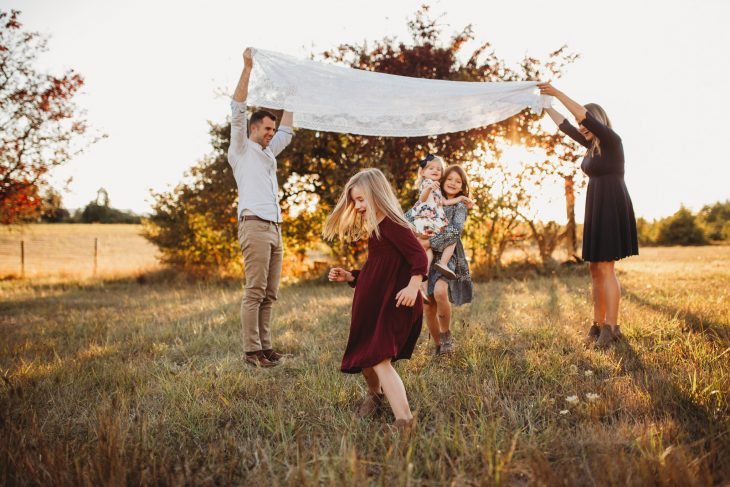 family photographer in Portland Oregon