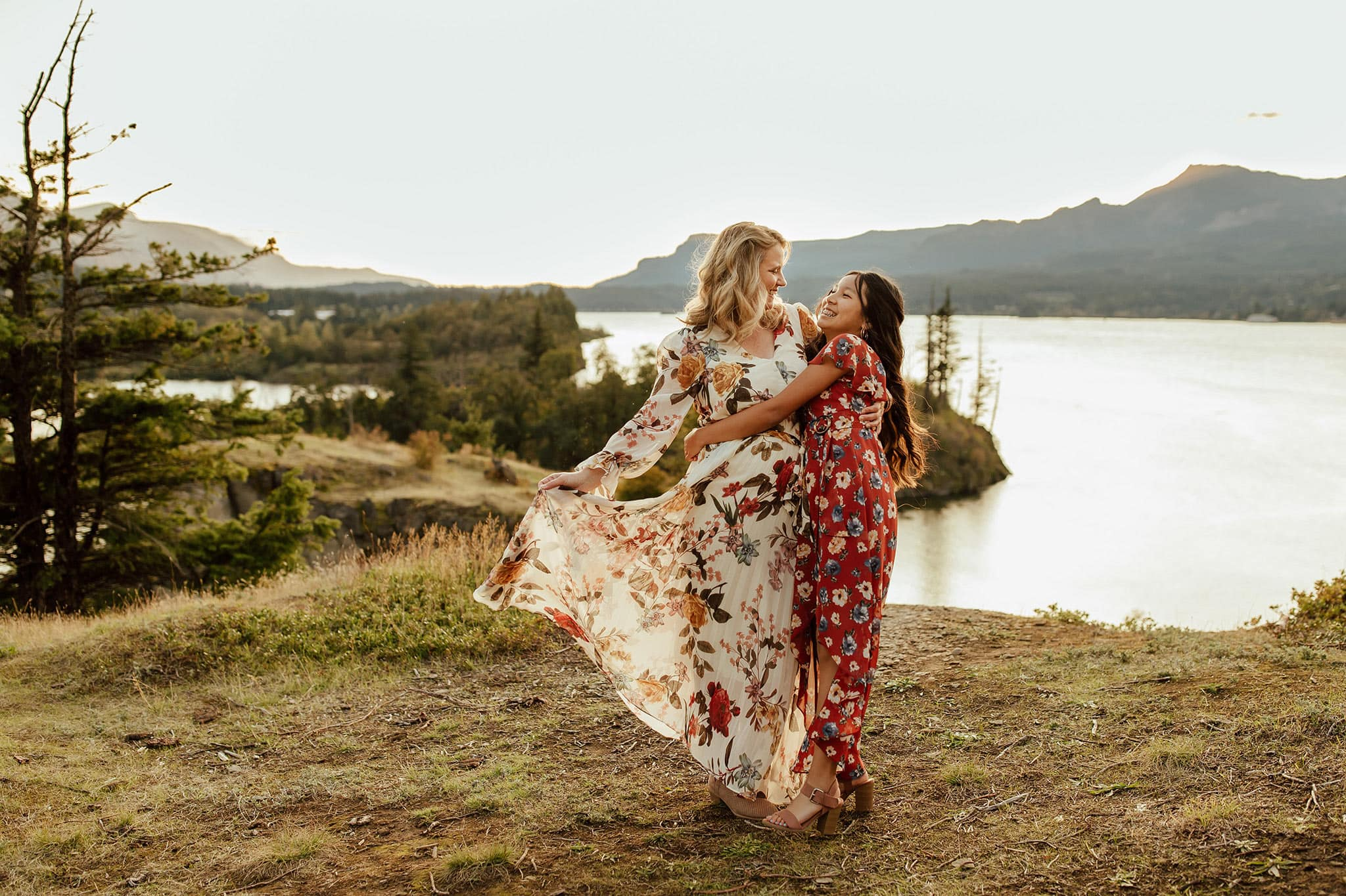 mom and daughter dancing in the columbia river gorge - summer season family photos