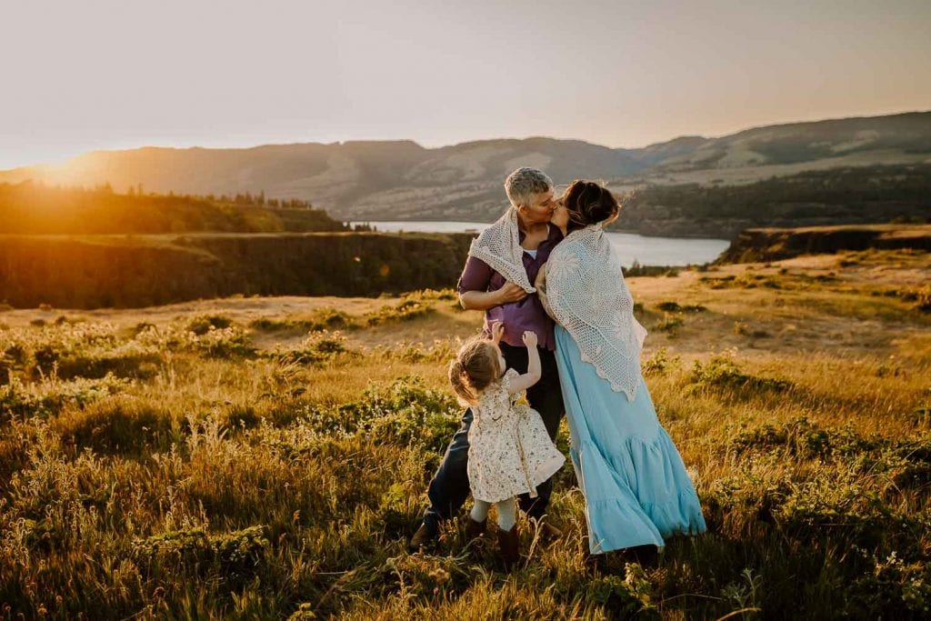 favorite locations in the columbia river gorge for family photos